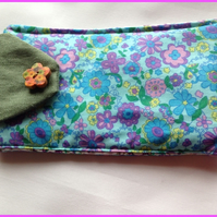 Mobile Phone  - Fone Cover in Retro floral and Green Linen Fabric