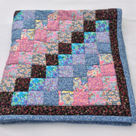 'Round the World' Patchwork Lap Quilt