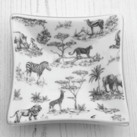Wild Animal Decorative Dish - Elephants, Zebra, Rhino, Cheetah, Lion, Giraffe