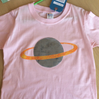 Saturn appliquéd pink T-shirt for child aged 7-8 years