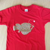 Angler Fish appliquéd red T-shirt for child aged 5 - 6 years