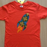 Rocket appliquéd red T-shirt for child aged 5 - 6  years