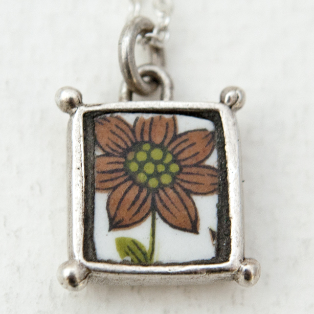 Vintage China Brown and Green Flower Box Pendant