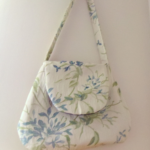 Floral embroidered handbag
