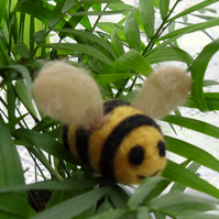 Adorable bumble bee brooch