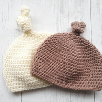 Twin baby hats. Newborn baby unisex knotted hat, crochet hats.