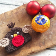 Crochet robin themed chocolate cover. Stocking filler, chocolate accessories.