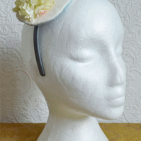 Handmade Fascinator 'Cream'
