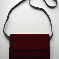 Knitted envelope bag