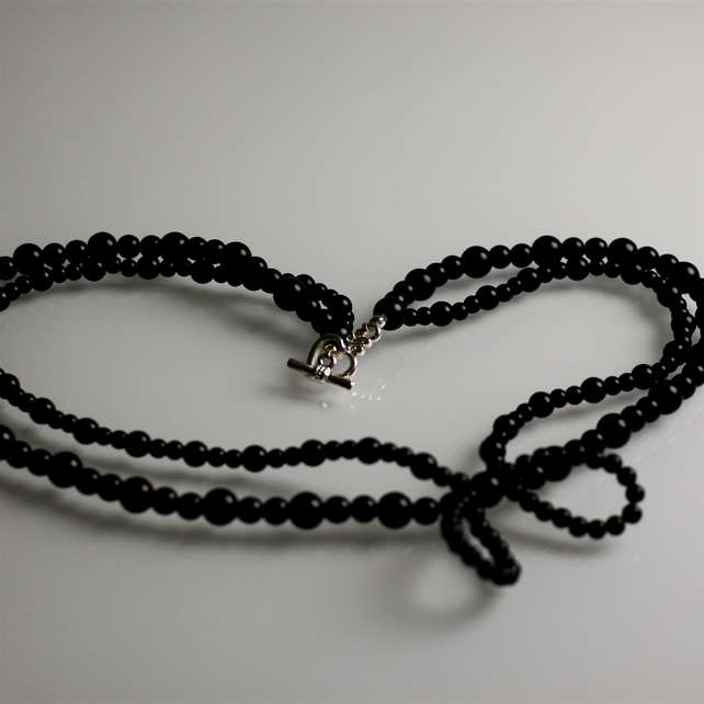 Vintage Style Black Bead Bow Necklace