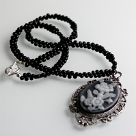 Flower Cameo Necklace - UK Free Post