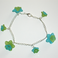 Pretty Blue and Green Flower Bracelet