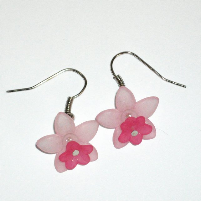 Pretty Pink Flower Earrings - UK Free Post
