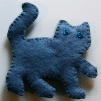 Smoky Grey Cat Felt Brooch - UK Free Post