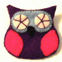 Cute Felt Owl Brooch - UK Free Post