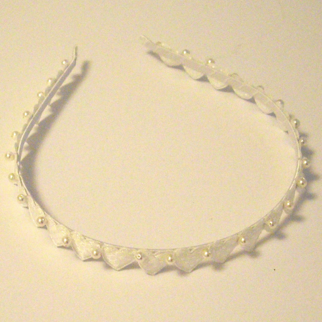 White Hearts and Pearls Vintage Style Head Band