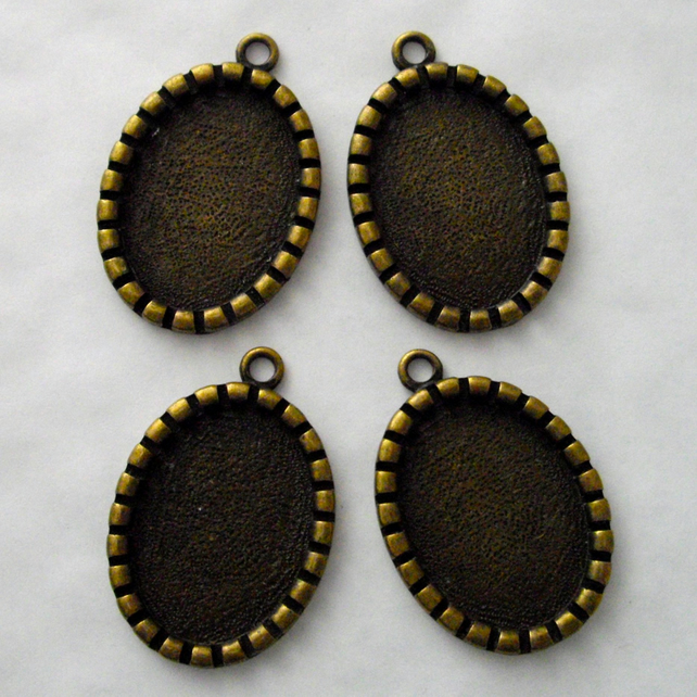 4 x Small Cameo Settings - Antique Brass