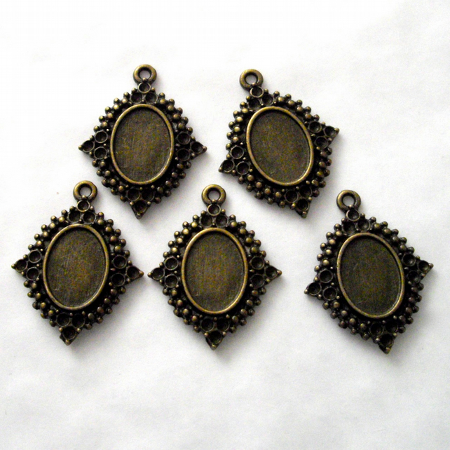 5 x Small Cameo Settings - Antique Brass