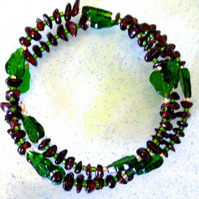 Green Leaf and Garnet Memory Bracelet