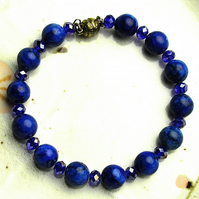 Blue Turquoise and Crystal Bead Bracelet with Magnetic Clasp.