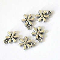 10 x Flower Charms