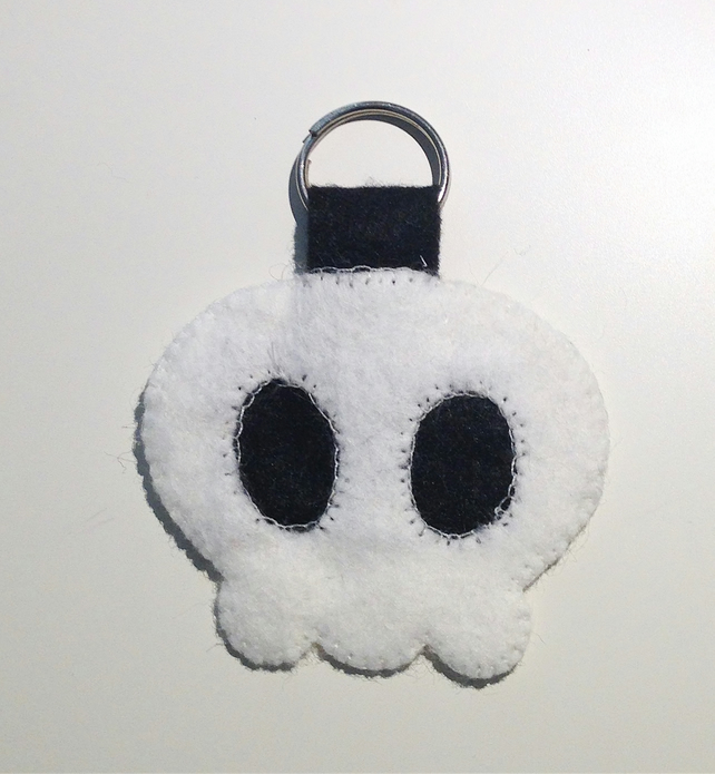 Cute Skull Keyring - UK Free Post