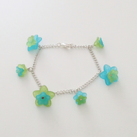 Pretty Blue and Green Flower Bracelet - UK Free Post