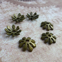 Pack of 30 – Antique Bronze 8 Petal Bead Caps