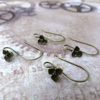 Pack of 10 - Brass Earwires With Flower Bronze