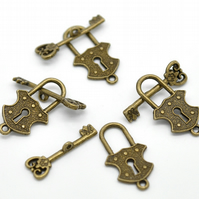 Pack of 10 - Antique Bronze Toggle Clasps Lock and Key