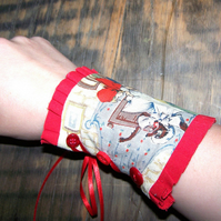 Red riding hood cuff