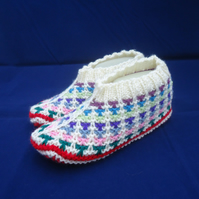Hand Knit Indoor Slippers, Women Home Slippers, Red and white Slippers