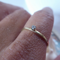 dainty tiny solitaire diamond ring in 18k 750 solid gold with grey salt and pepp
