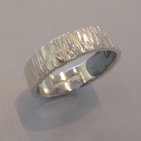 Textured Bark wedding band in sterling silver 925 for men and women