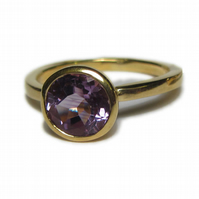 Amethyst Cocktail ring in recycled 18K yellow gold size P