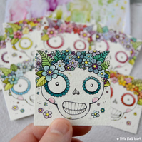 lucky dip! skull with a floral crown - twinchie