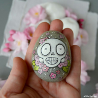 big blossom skull - painted pebble