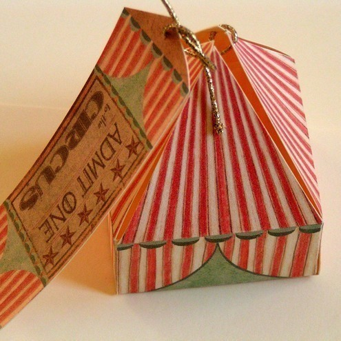 2 little circus tent gift boxes (other quantities available)