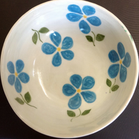 Bowl with blue floral decoration