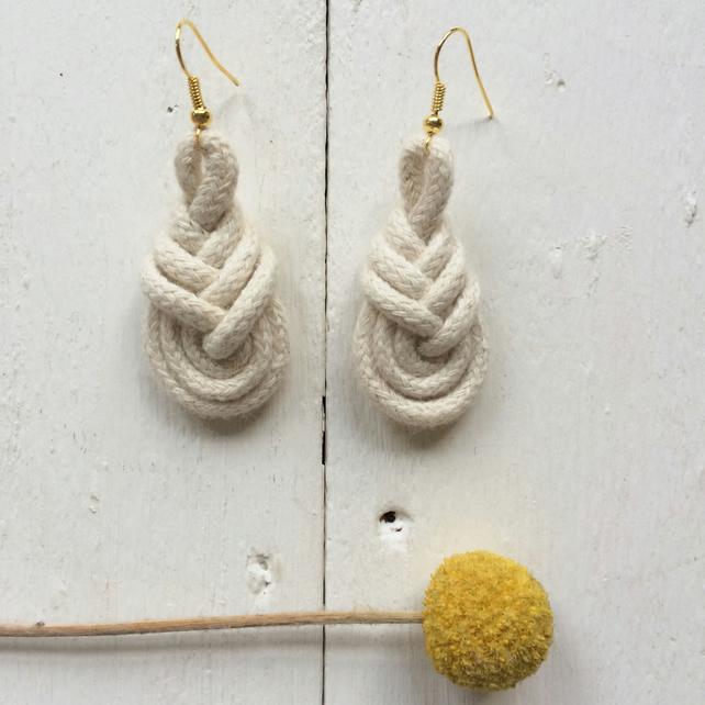 Pipa earrings