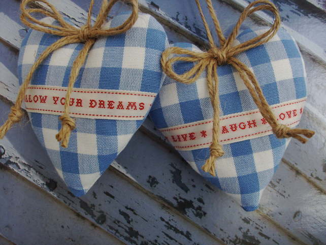 Door hangers Follow your dreams Live, laugh, love