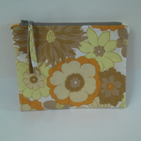 Make up bag zipped in funky vintage fabric