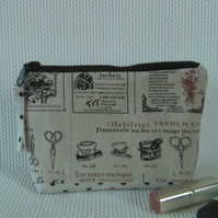 Make up bag in French linen style fabric