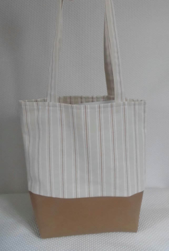 Tote bag  with reclaimed leather base