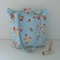 Tote bag in blue floral printed fabric