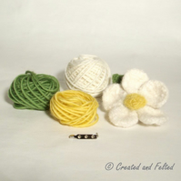 Daisy Flower felt  knitting kit
