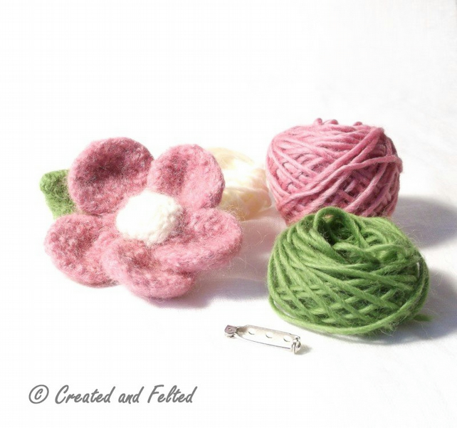 Pink Felt Flower Knitting kit