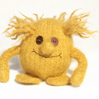 Monster toy knitting pattern