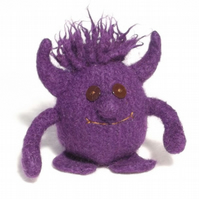 Little devil Monster toy knitting pattern