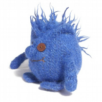 Hairy Monster toy knitting pattern